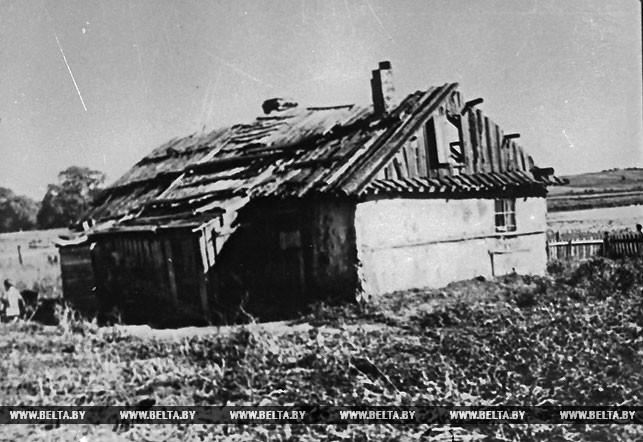 Внешний вид жилища крестьянина-бедняка в предместье г. Глубокое в Западной Беларуси