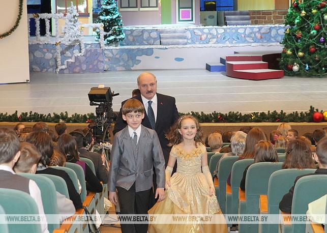 На новогоднем благотворительном празднике. 2011 год