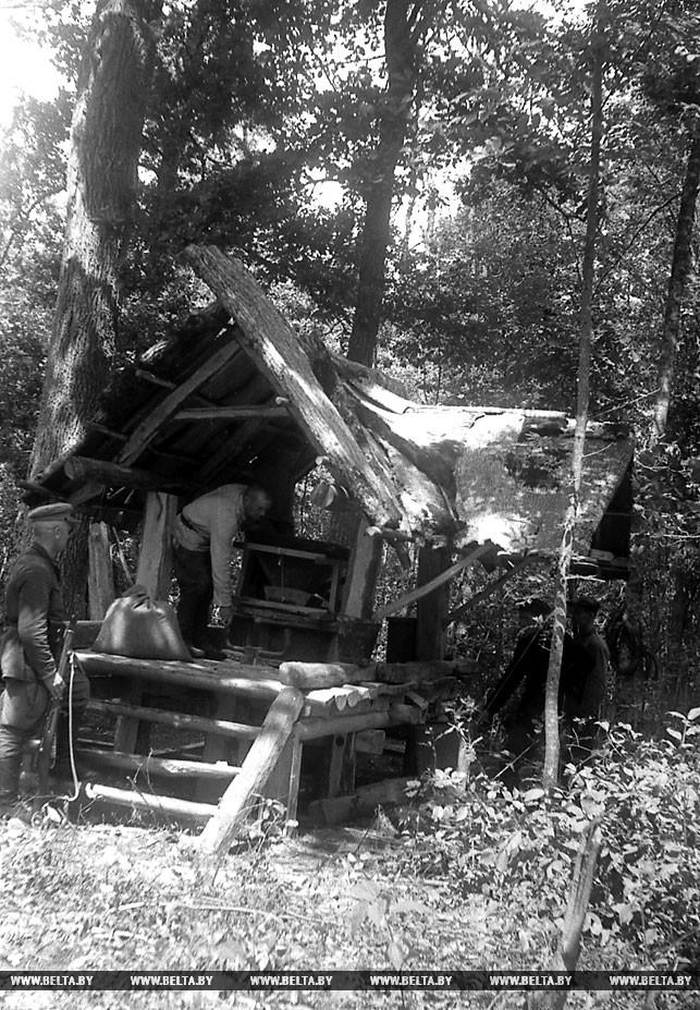 На партизанской мельнице. 1943 год