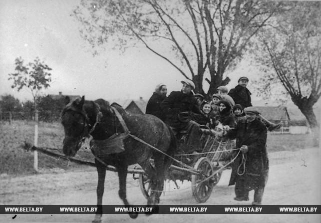 С приходом в Западную Беларусь Красной Армии население возвращается в родные места