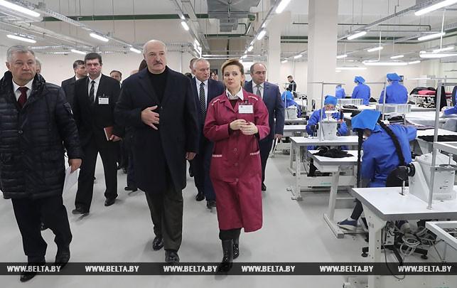Александр Лукашенко на Витебском меховом комбинате