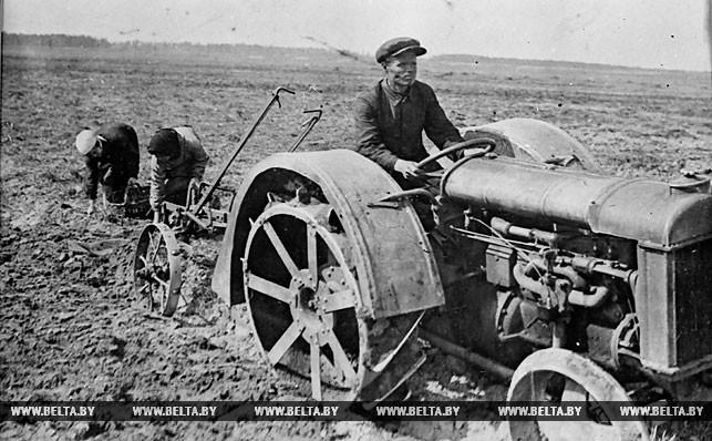 Механизированная посадка картофеля. 1928 год