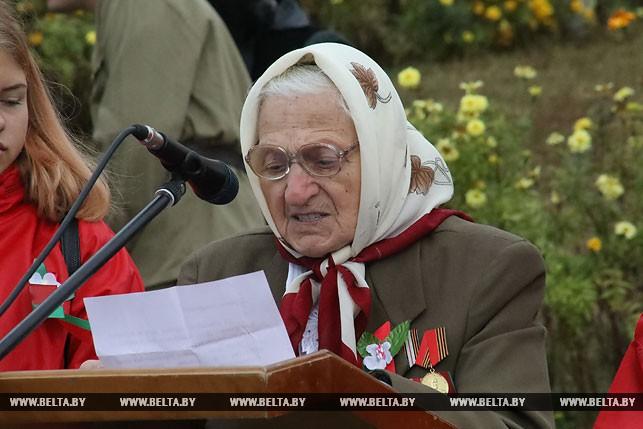 Одна из трех в районе очевидцев освобождения Комарина Ольга Копытько