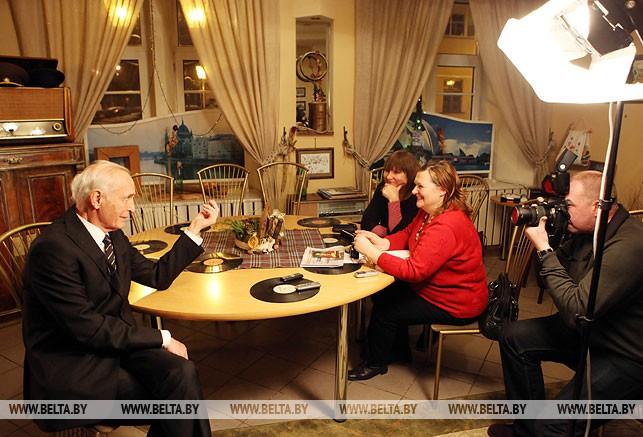 Народный артист России, актер театра и кино Василий Лановой во время гастролей в Витебске встретился с представителями СМИ, декабрь 2012 года