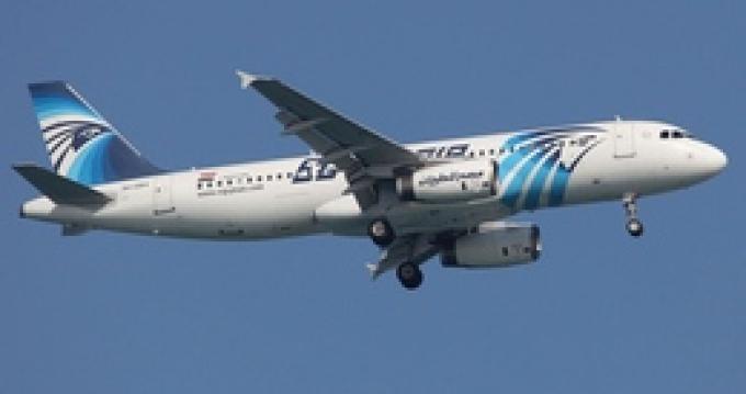 Самолет компании EgyptAir пропал с экранов радаров