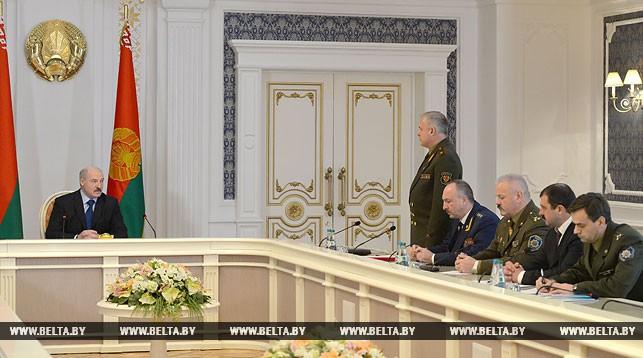 Александр Лукашенко провел совещание