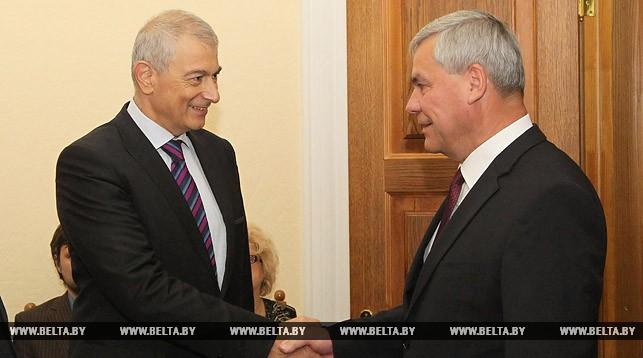 Глава миссии наблюдателей ПАСЕ Реа Денемич и председатель Палаты представителей Национального собрания Беларуси Владимир Андрейченко.