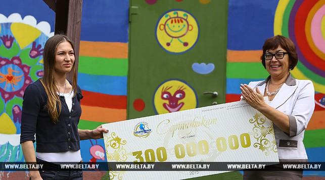 Дарья Домрачева и директор Белорусского детского хосписа Анна Горчакова
