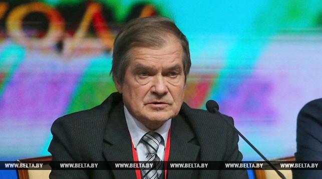 Игорь Котляров