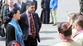 Виней Салдана и Светлана Боровская во время общения с заключенными