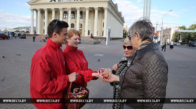 Во время акции БРСМ на Октябрьской площади в Минске