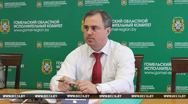 Владимир Привалов во время проведения прямой телефонной линии в   Гомельском облисполкоме