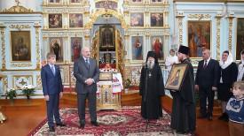 Александр Лукашенко посетил Спасо-Преображенский храм в Шклове