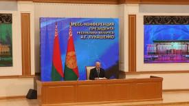 Александр Лукашенко во время общения с представителями российских региональных СМИ