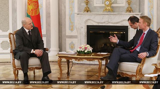 Александр Лукашенко и Майкл Карпентер
