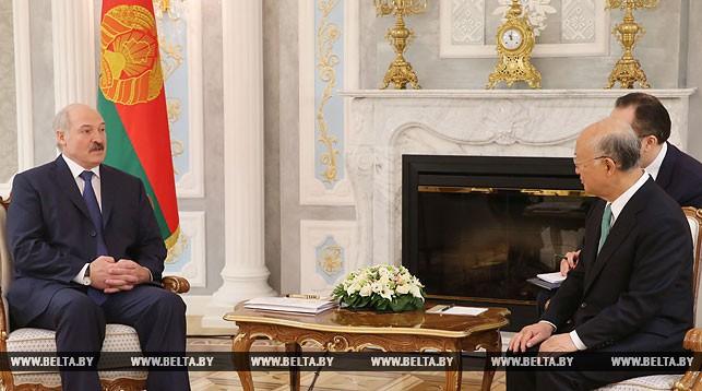 Александр Лукашенко и Юкия Амано
