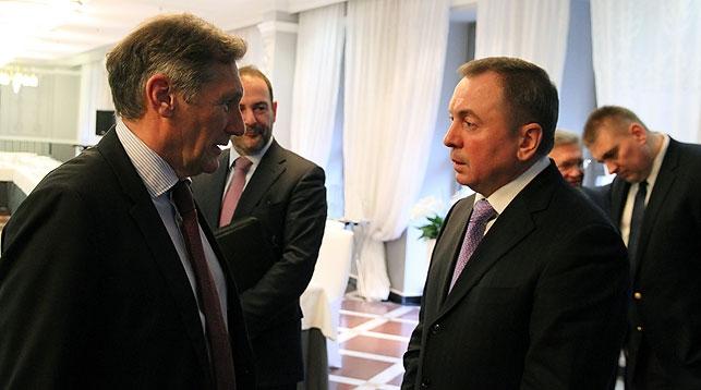 Уолтер Стивенс и Владимир Макей. Фото МИД