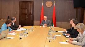 Во время встречи. Фото сайта Совета Республики Национального собрания Республики Беларусь