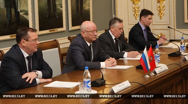 Юрий Берг во время встречи во дворце Румянцевых-Паскевичей
