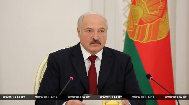 Лукашенко: в экономике наметился рост, но оснований для самоуспокоенности нет