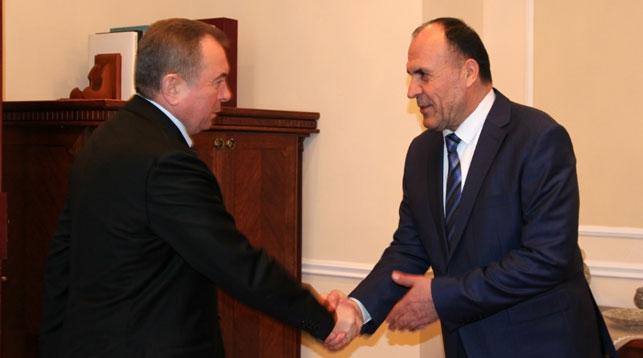 Владимир Макей и Махмадшариф Махмуд Хакдод. Фото МИД