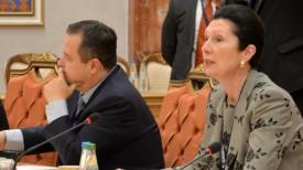 Маргот Клестиль-Леффлер (справа)