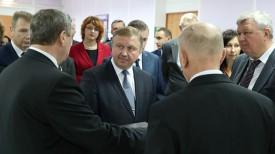 Андрей Кобяков во время посещения Правомостовского центра досуга и культуры