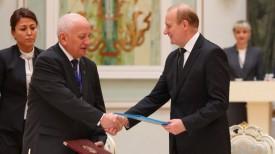 Подписание договора о научно-техническом сотрудничестве между НАН Беларуси и Национальной академией наук Казахстана