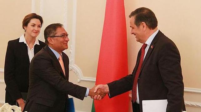 Рашед Мустафа Сарвар и Анатолий Калинин. Фото Совмина
