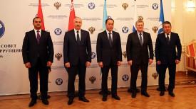 Александр Конюк (второй слева). Фото посольства Беларуси в России