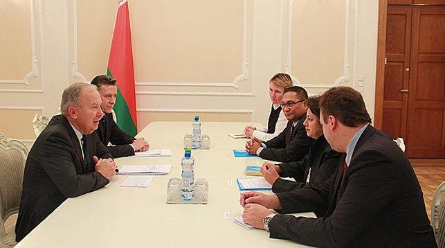 Во время встречи. Фото сайт правительства