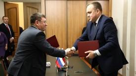 Сергей Чебыкин и Александр Терехов. Фото сайта правительства Курганской области
