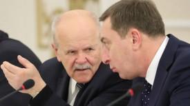 Председатель КГК Леонид Анфимов и заместитель главы Администрации Президента Николай Снопков.