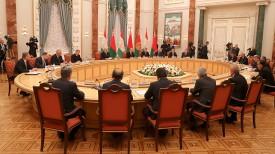 Во время переговоров в расширенном составе
