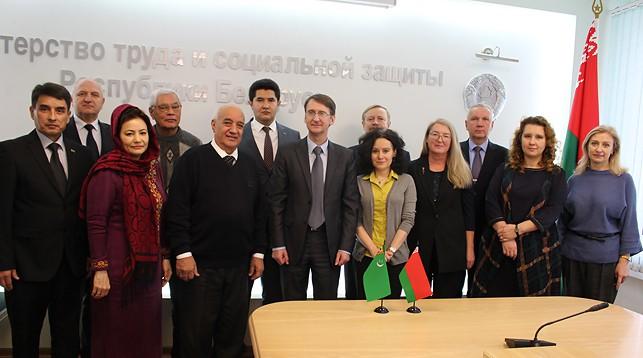 Во время встречи. Фото Министерства труда и социальной защиты Беларуси
