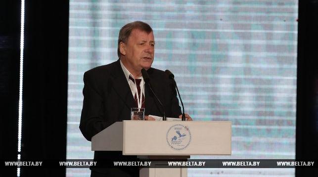 Александр Коваленя