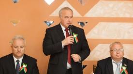 Выступает Николай Шерстнев