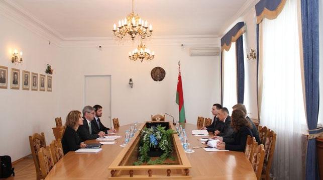 Во время встречи. Фото с сайта Верховного суда Республики Беларусь
