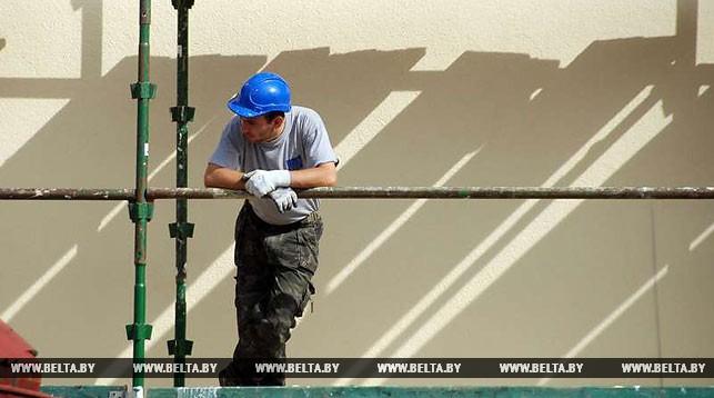 Жильцы многоэтажки в Ганцевичах дождались обещанного ремонта после вмешательства прокуратуры