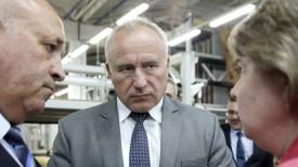 Николай Шерстнев во время посещения предприятия