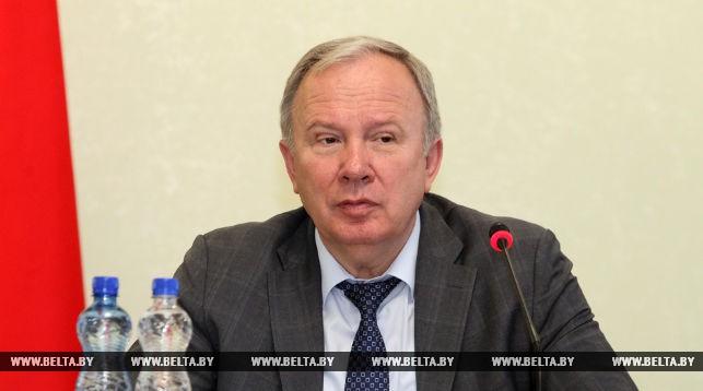 Василий Жарко. Во время заседания