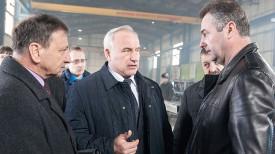 Николай Шерстнев. Во время посещения предприятия