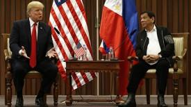 Дональд Трамп и Родриго Дутерте. Фото AP