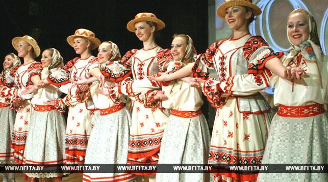 """Народный ансамбль танца """"Лявониха"""". Фото из архива"""