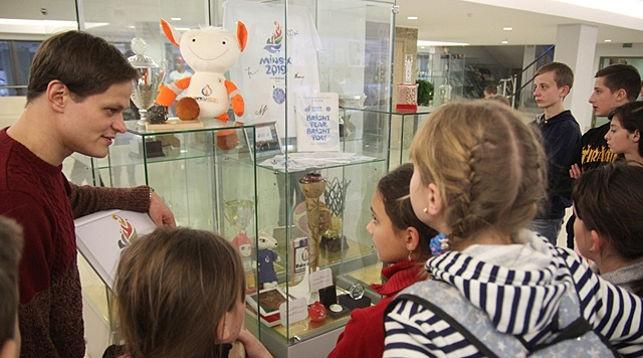 Школьники посетили новую экспозицию. Фото НОК Беларуси