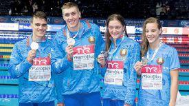 Павел Санкович, Илья Шиманович, Анастасия Шкурдай и Юлия Хитрая. Фото Белорусской федерации плавания
