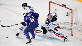 Во время матча Франция - Финляндия. Фото IIHF