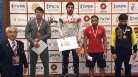 Али Шабанов на верхней ступени пьедестала почета турнира в Польше. Фото из социальных сетей
