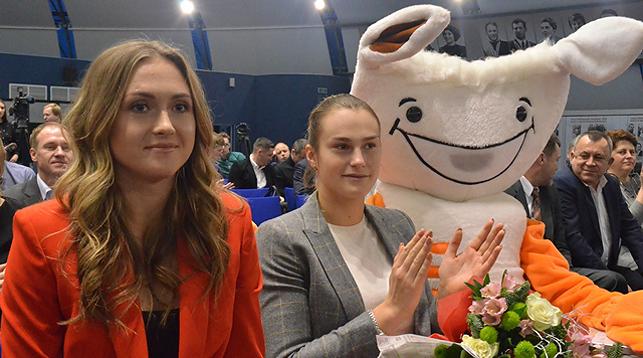 Александра Саснович и Арина Соболенко. Фото НОК Беларуси