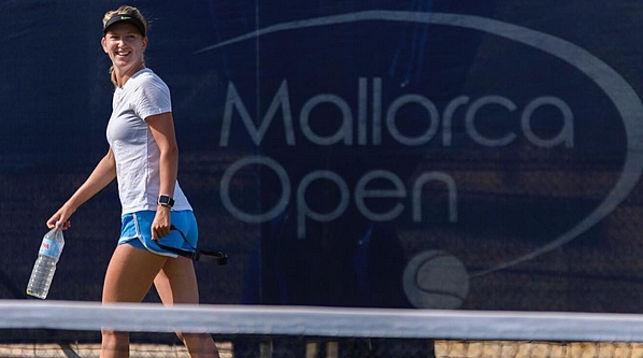 Виктория Азаренко на корте Mallorca Open. Фото организаторов турнира